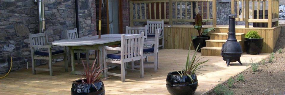Transform Your Garden with Our Quality Decking and Craftsmanship.